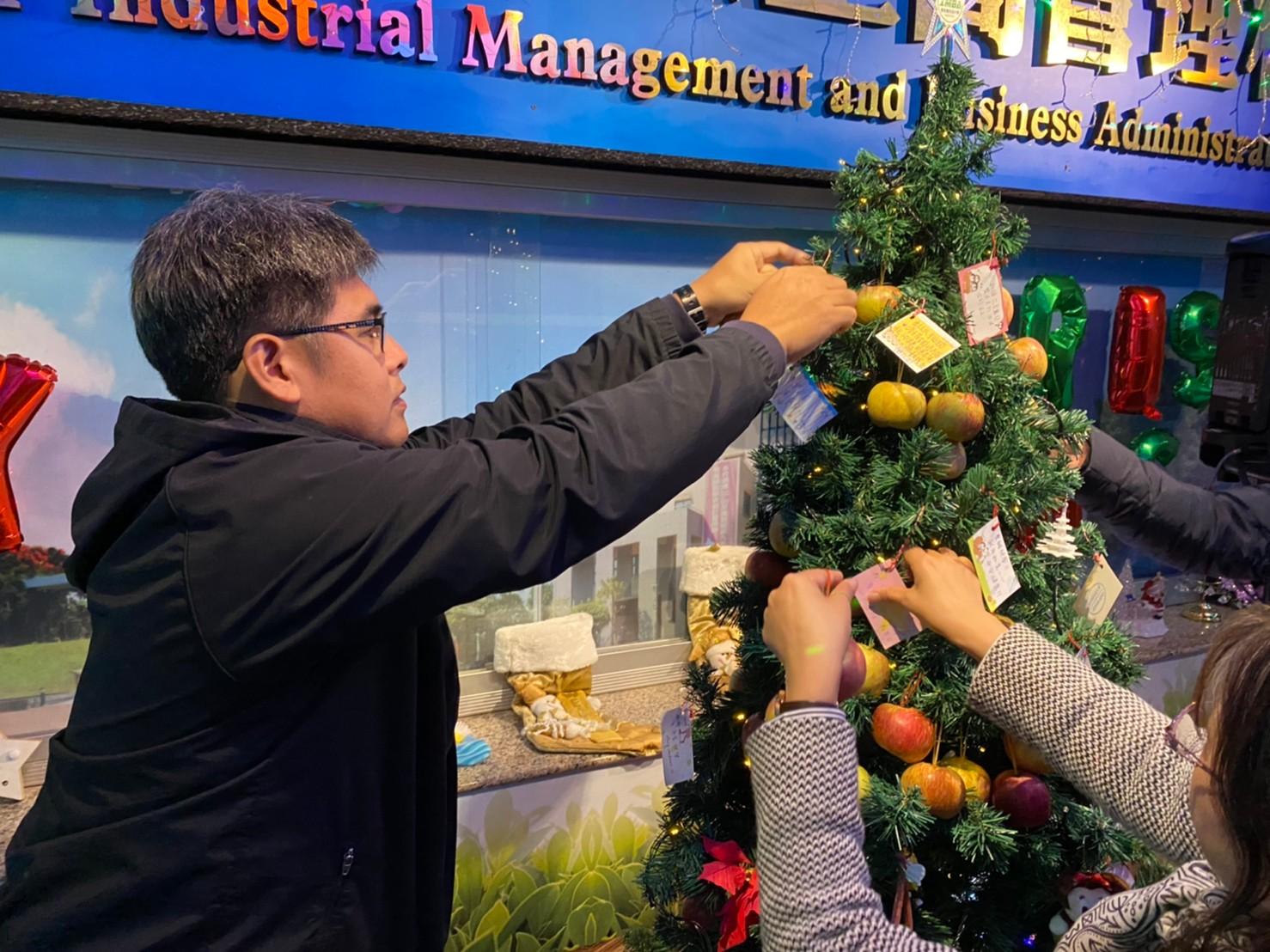 工管聖誕蘋安點燈-3